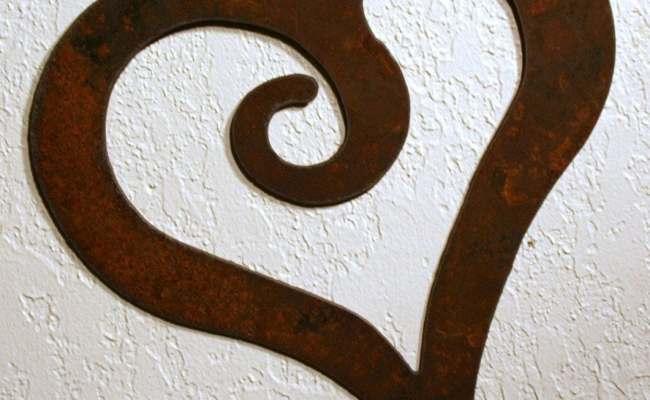 Rustic Swirl Heart Wall Decor