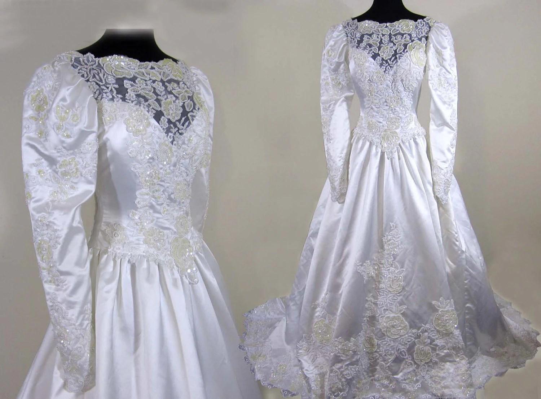 SALE 1980s Satin Wedding Bridal Gown Exquisite Beading