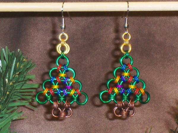 Chainmaille Christmas Tree Earrings