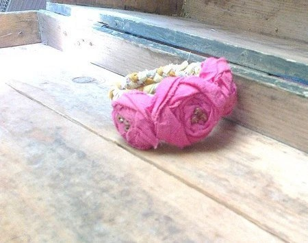 Valentine's Day ,Bracelet with roses. The braided tresses. It improves mood - recyclingroom