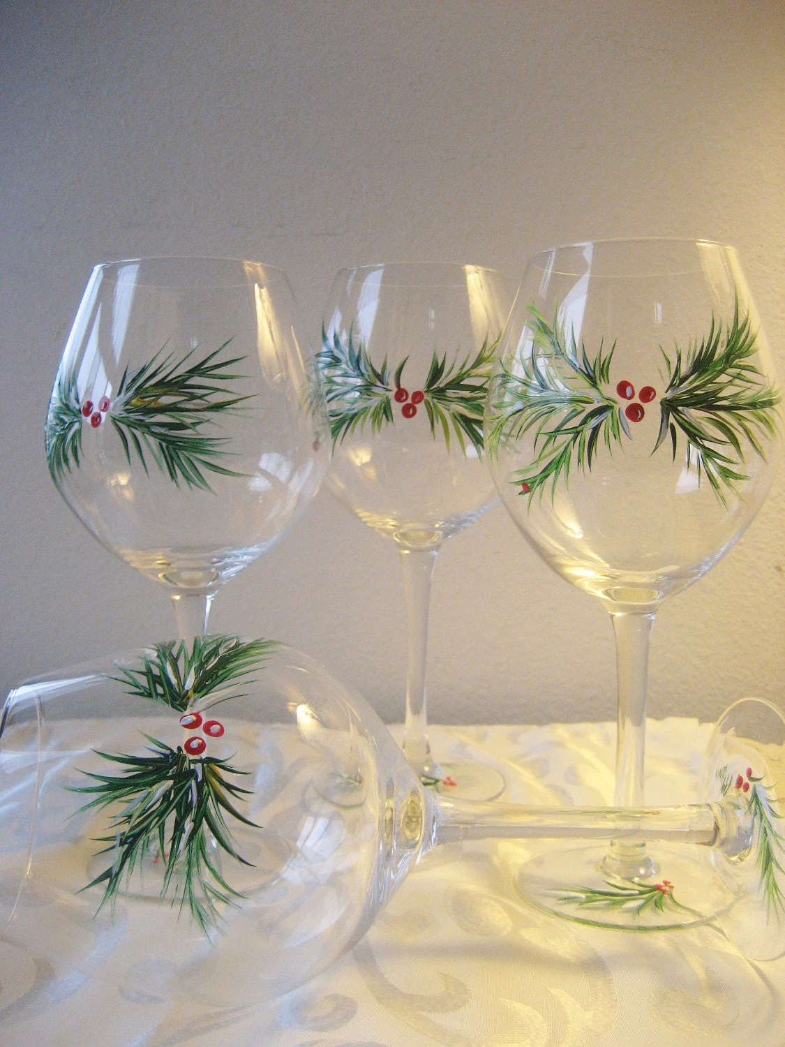 Handpainted Christmas wine glasses set of 2 with berries and