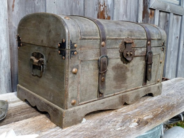 Small Vintage Steamer Trunk