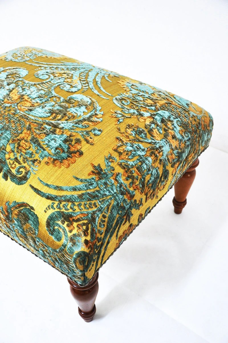 SALE: classic style ottoman with damask fabric - namedesignstudio