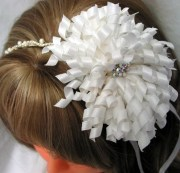 white korker bow flower girl hair