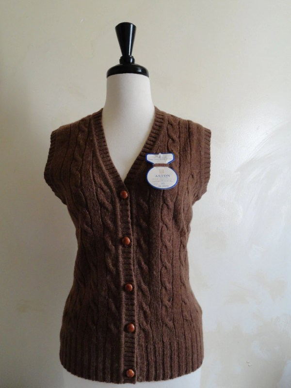 Vintage Aston Womens -neck Cable Knit Sweater Vest Sheltland