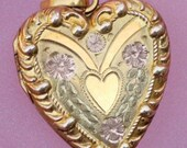 Antique Ornate Solid 10K Gold Heart Locket Pendent - flame100