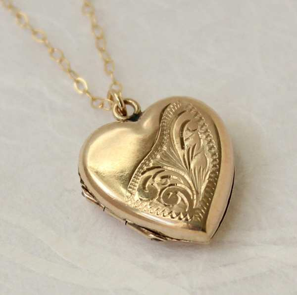 Gold Locket Necklace Heart Vintage 9ct