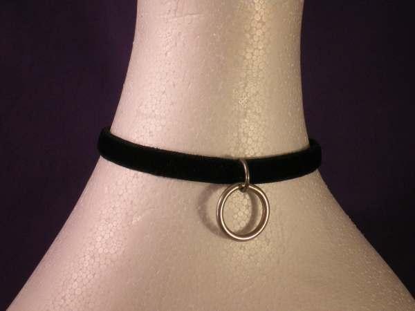 Narrow Velvet Locking Slave Collar Absolute