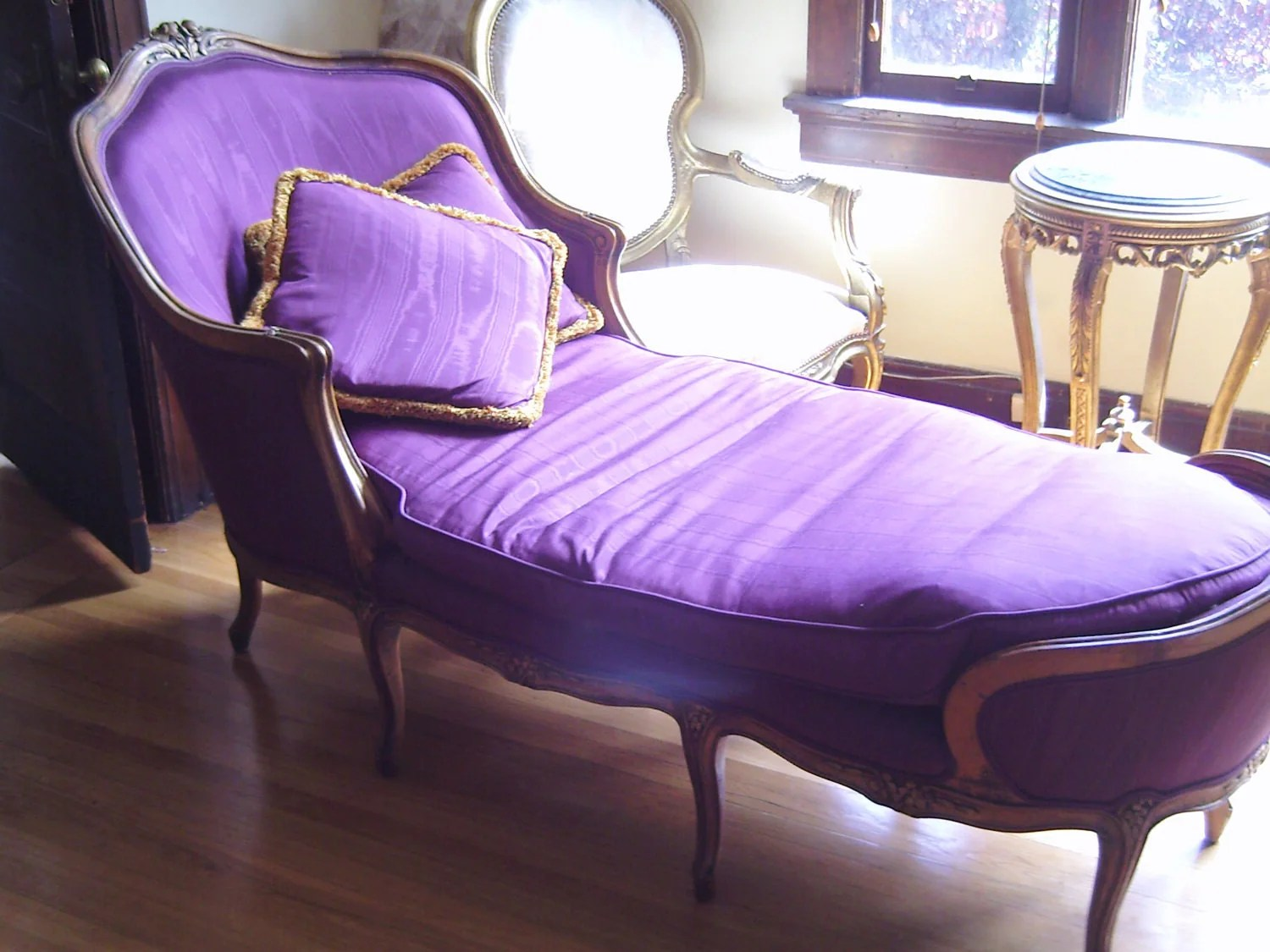 purple chaise lounge chair retro wing french fainting couch hollywood regency