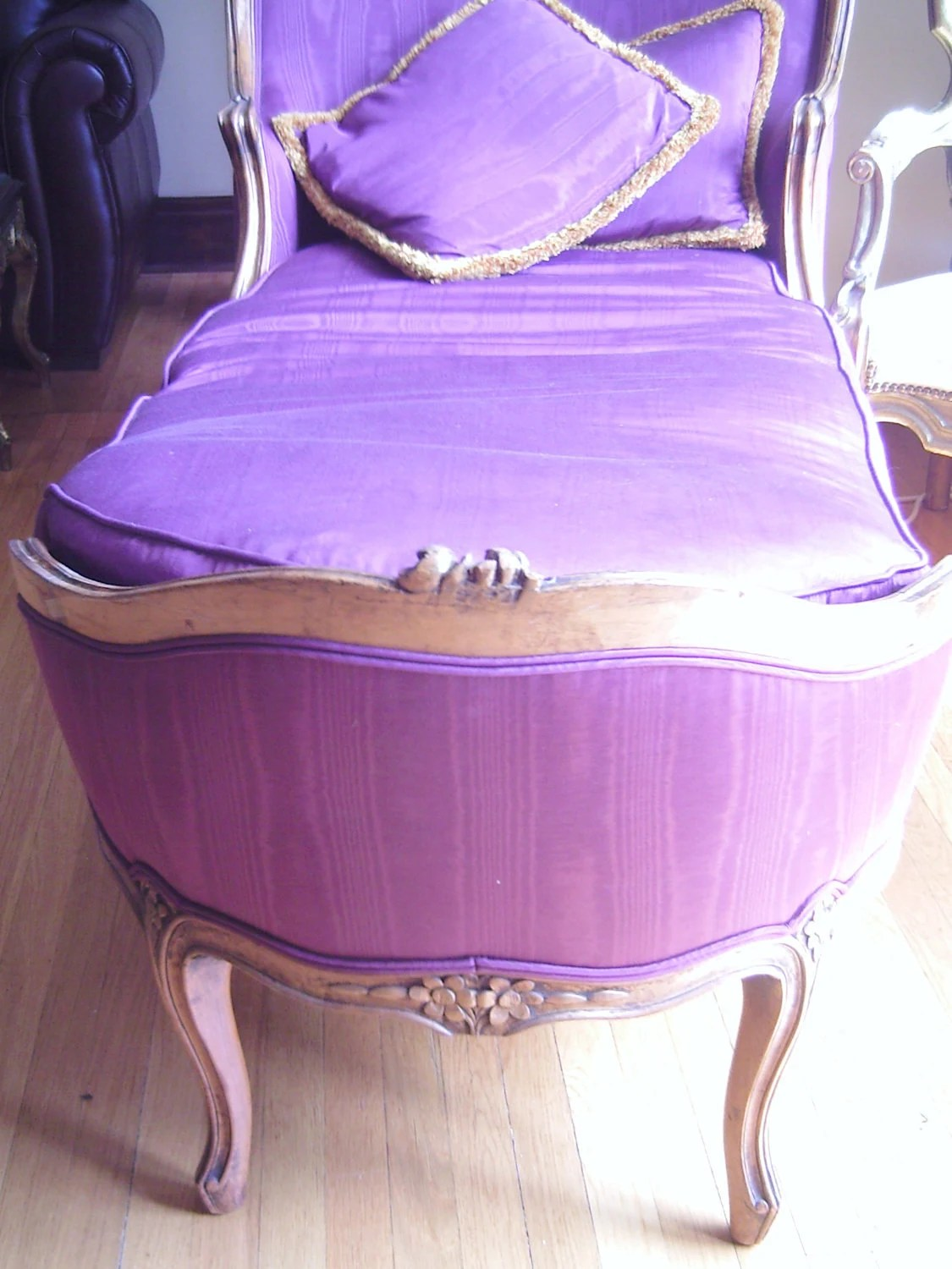 fainting sofa purple stiffener french couch hollywood regency