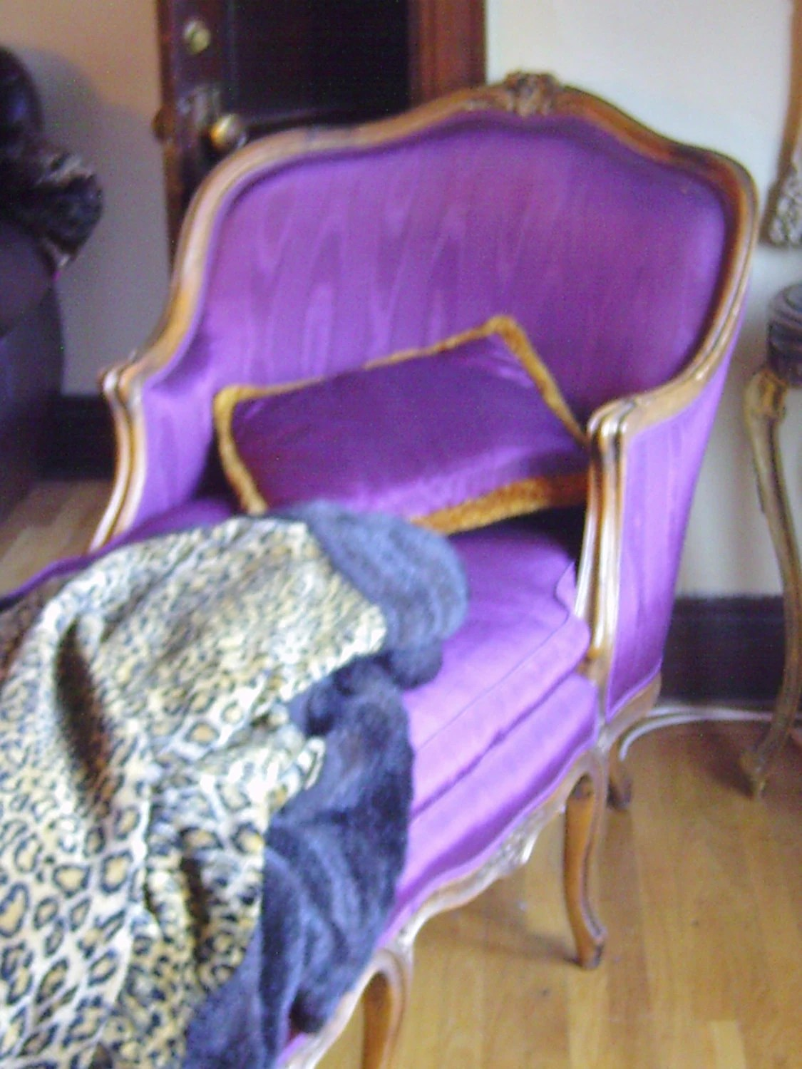 fainting sofa purple living room set with bed french couch hollywood regency