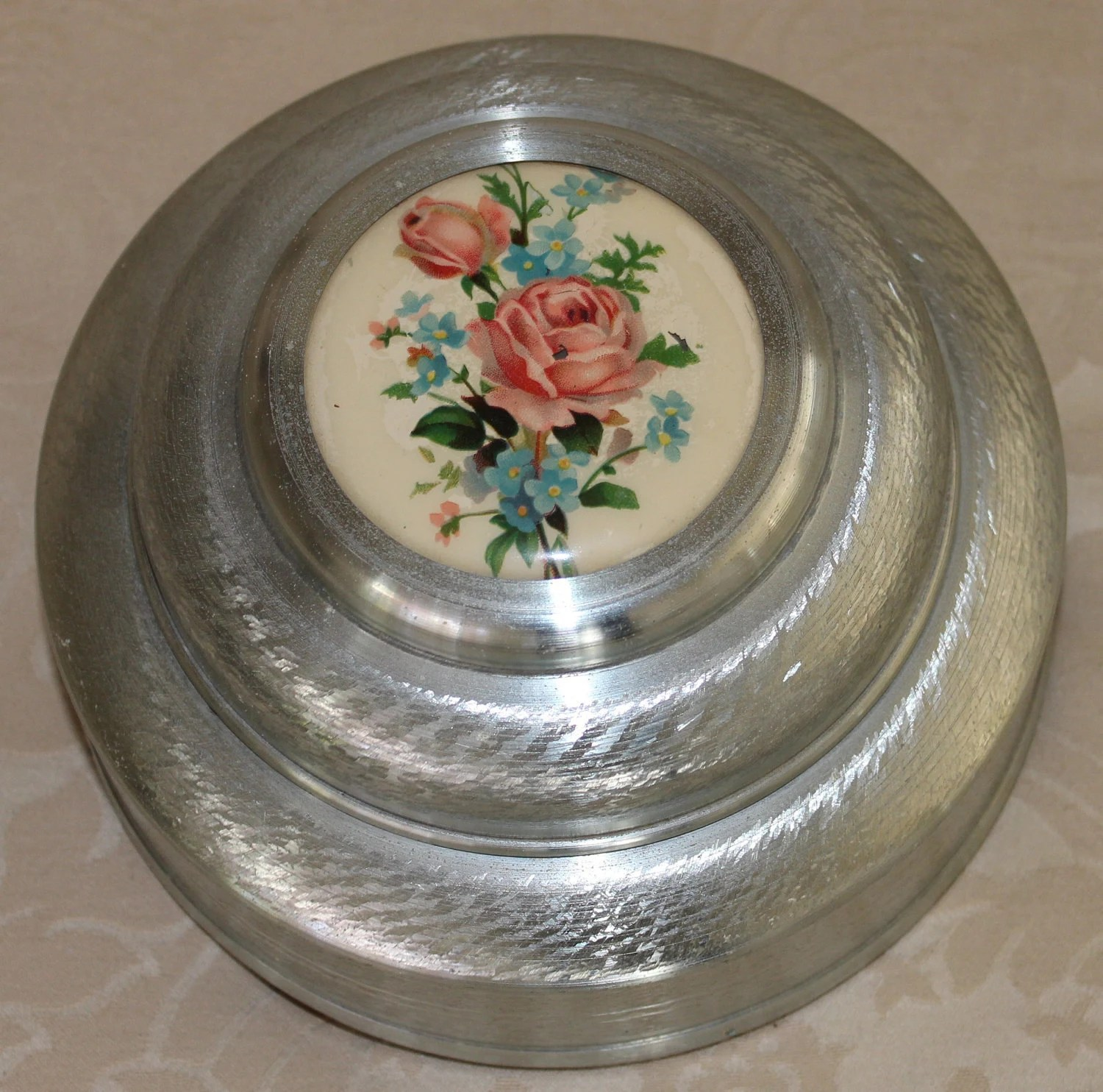 Vintage 1940s Metal Music Box Roses Tales Of Vienna Woods