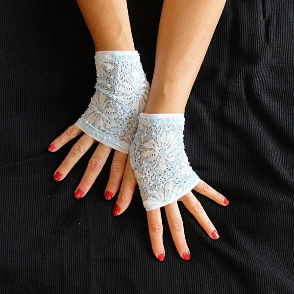 Light Blue Lace Gloves Short Stretch Fingerless