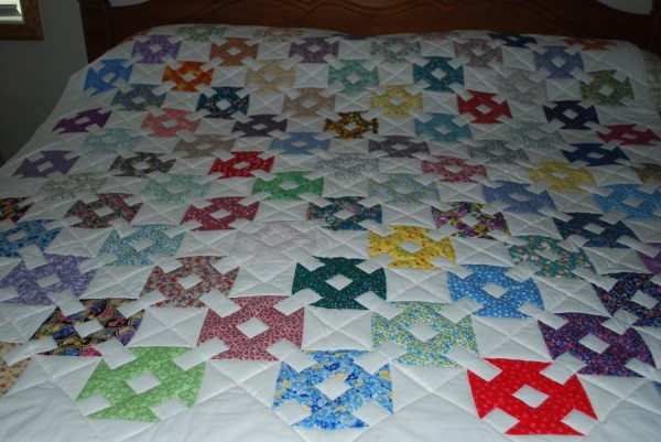 Twin Throw-sized Quilt Dot And Dash Dschlenther