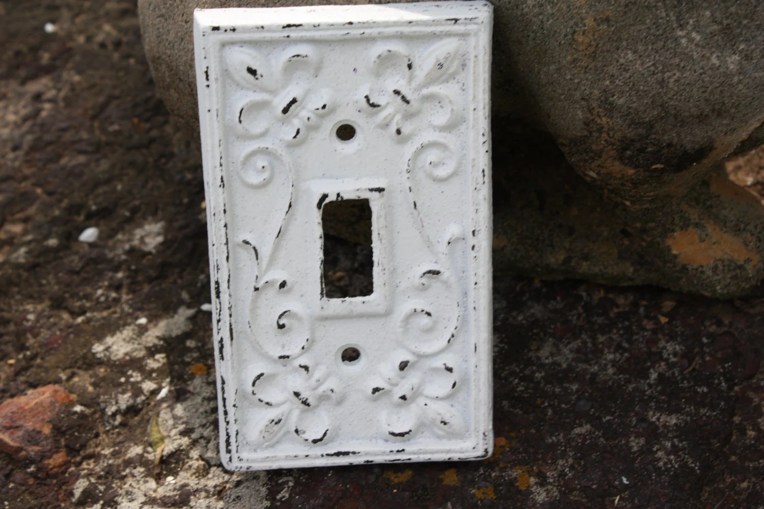 WHITE Cast Iron Ornate Single Switch Plate / Fleur De Lis