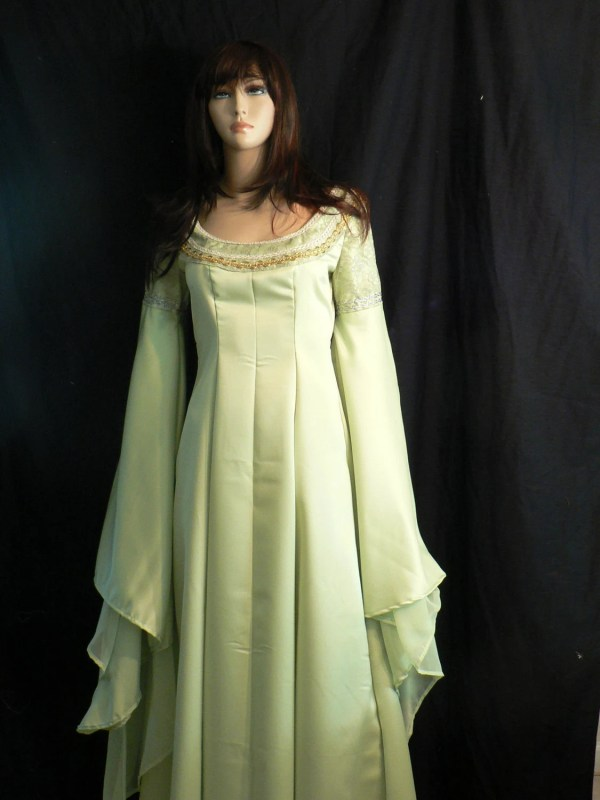 Arwen Coronation Gown Lord Of Rings