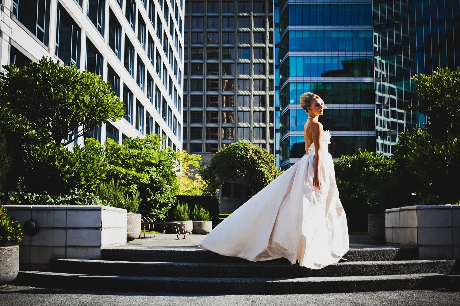 Sample Sale Dramatic Ballgown Wedding Dress With Pockets