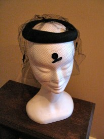 Vintage 1950s Black Halo / Wedding Ring Hat with Dress Veil