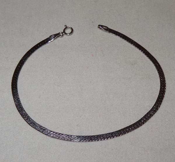 Vintage 14k White Gold Flat Herringbone Chain Bracelet