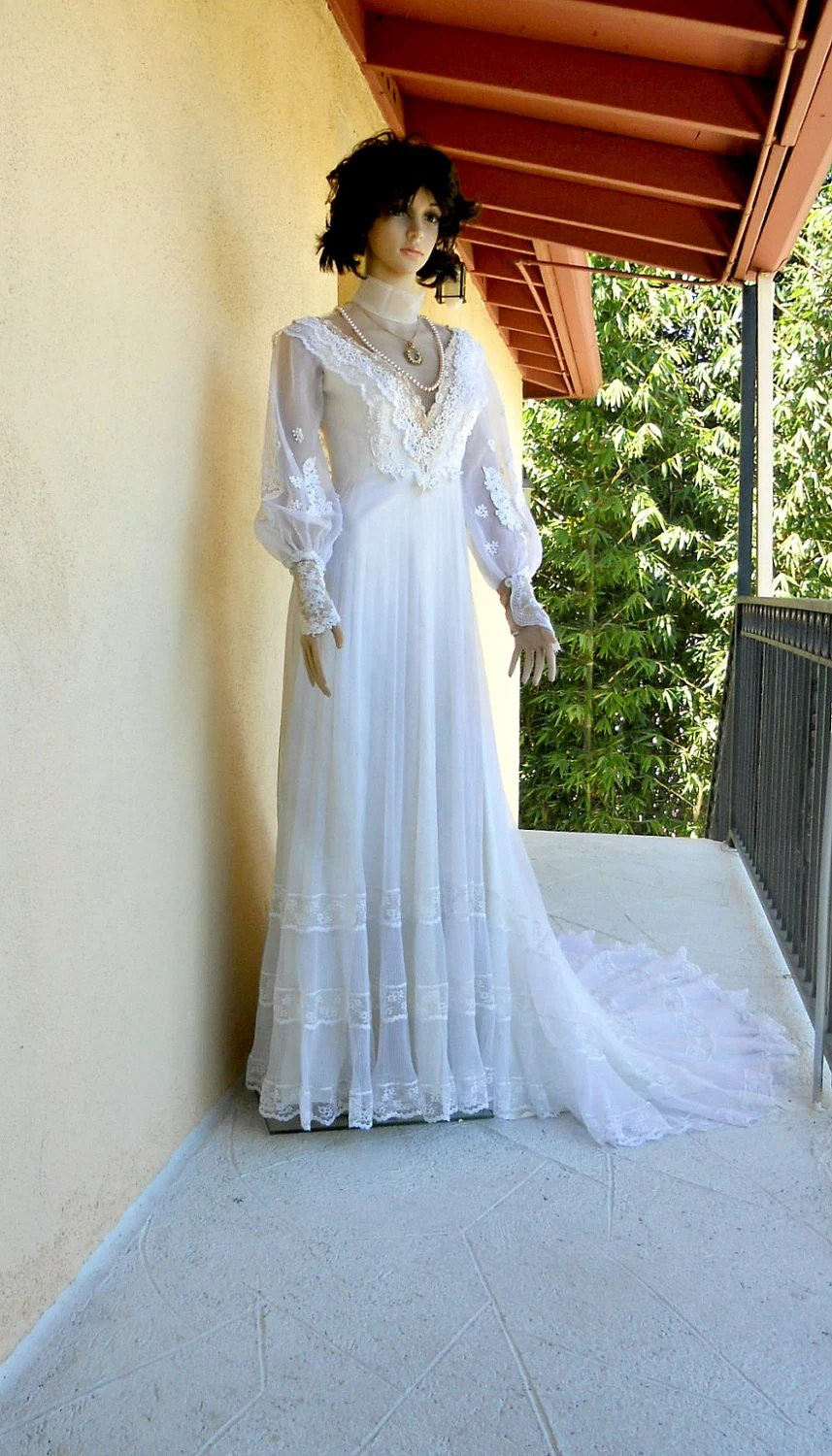 Small 1970s Wedding Dress Victorian Style Wedding Gown