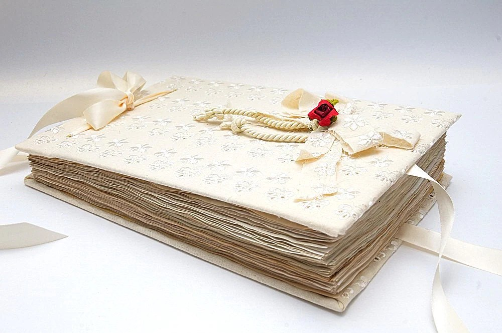 Vintage Retro Wedding Guest Book with vintage by LenaWeddings