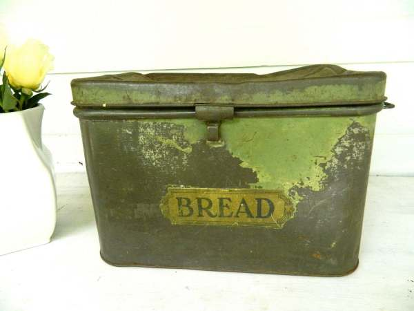 Vintage Tin Bread Boxes for Sale