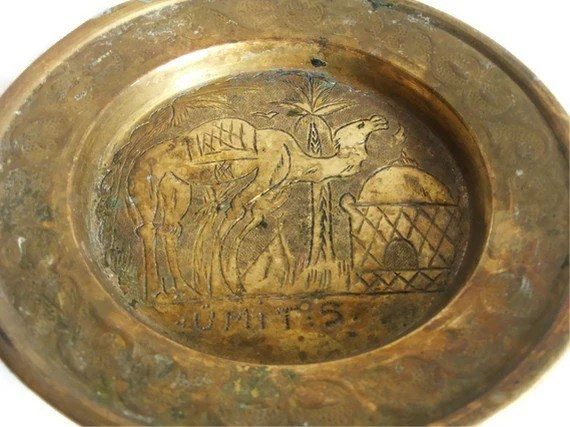Vintage Brass CAMEL Dish ETCHED & Embossed By Cabinetocurios