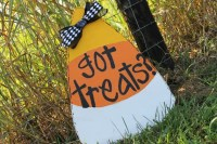 Items similar to Candy Corn Door Hanger Wooden Wreath Wood ...