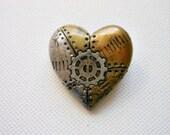 industrial steampunk heart brooch - xDonnaxthexDeadx