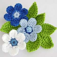 Free Leaf Crochet Pattern Diagram 2002 Isuzu Rodeo Radio Wiring Brooch Of Blue And White Crocheted Flowers With Green Leaves