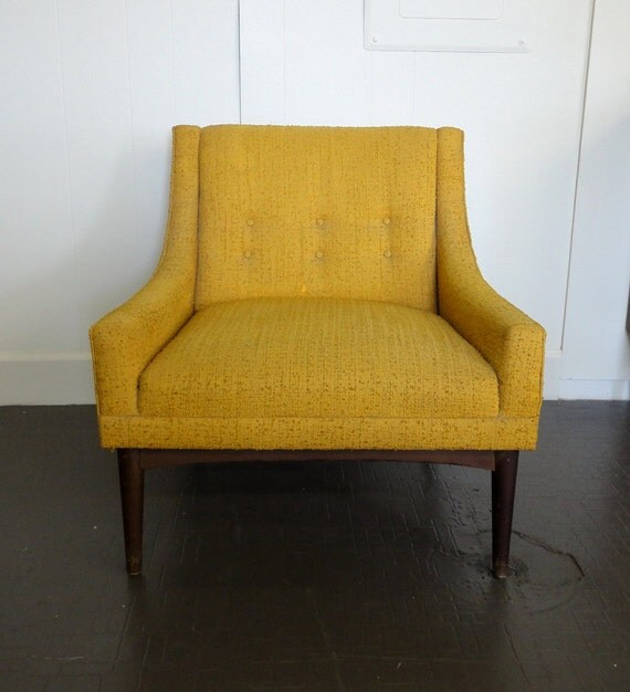 Mid Century Modern Upholstered Mustard Selig Style Lounge