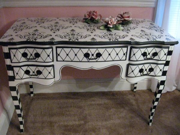 Black & White French Provincial Desk Vanity. Totally Fab