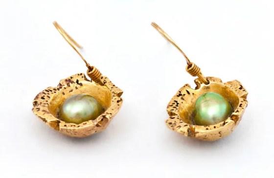 Gold shell earrings- CocoNaty