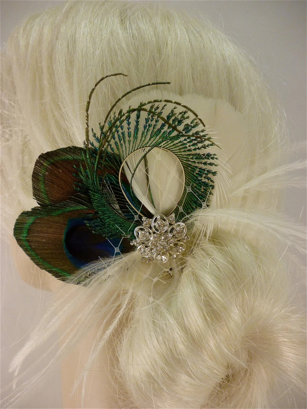 Bridal Feather Fascinator, Bridal Fascinator, Feather Fascinator, Fascinator, Wedding Veil, Bridal Headpiece, Bridal Veil, Peacock