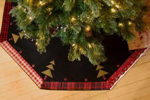 Christmas Tree Skirt Rustic Plaid In Usa 52 Lodge