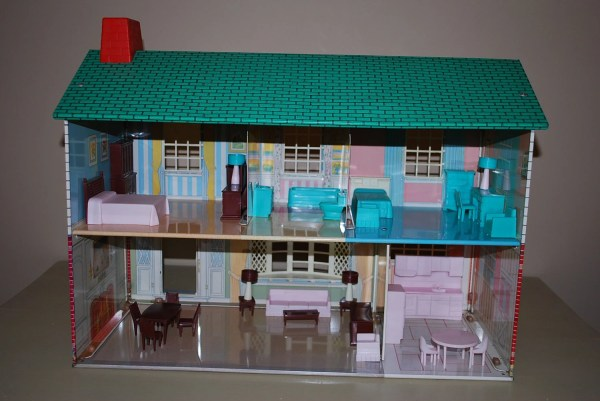 Metal Two Story Dollhouse Wolverine Aglimpsefromthepast