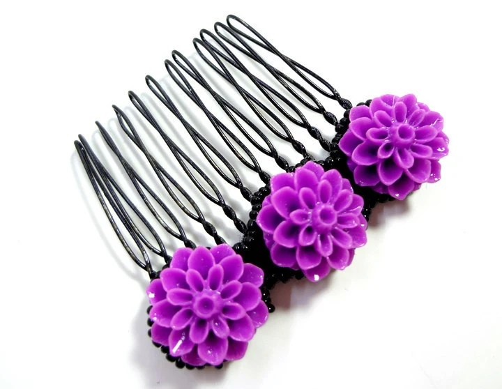Black and Purple Flower Comb - MegansBeadedDesigns