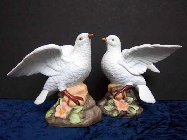 Love Bird Doves Figurines Pair Vintage Home Decor