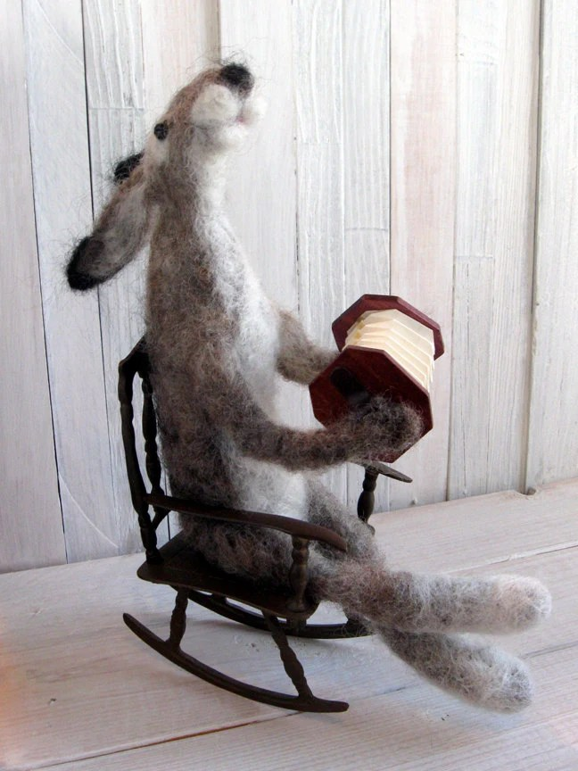Rabbit/Hare needle felted doll squeezebox/accordian musician, handmade, wool, grey/gray