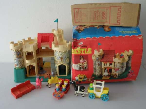 Super Nice Vintage Fisher 993 Little People Castle