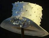 White Silk and Pearl Mini Top Hat