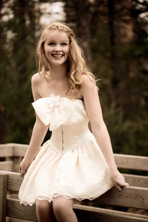 Items similar to Romantic Short Lace Wedding Dress Corset on Etsy