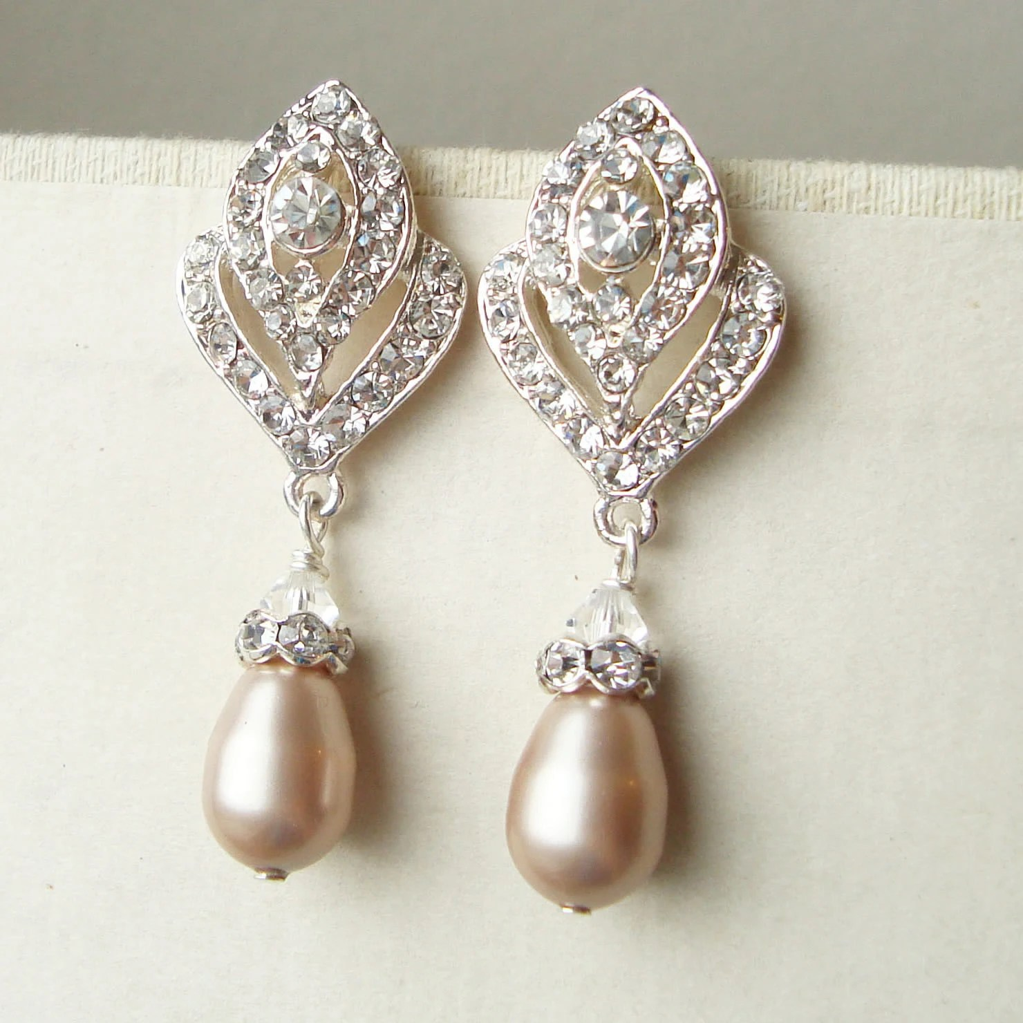 CHAMPAGNE Pearl Wedding Earrings Vintage Style by luxedeluxe