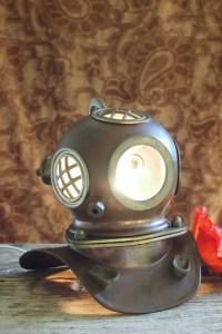 Deep-sea diver old US Navy diving helmet lamp light copper