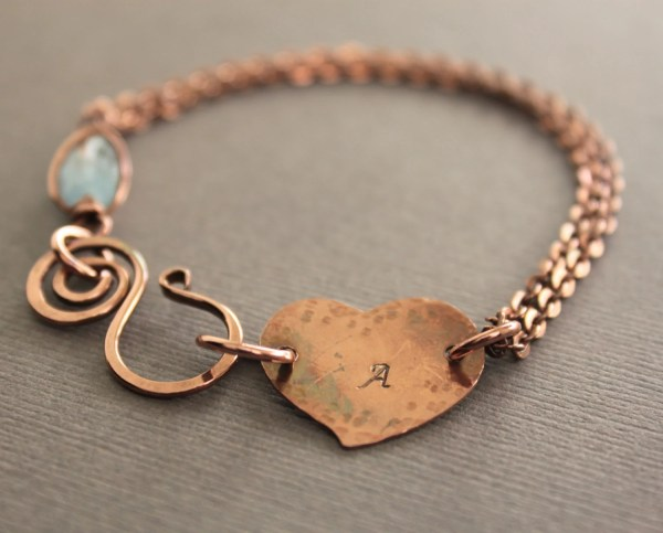 Personalized bracelet in copper with heart and aquamarine