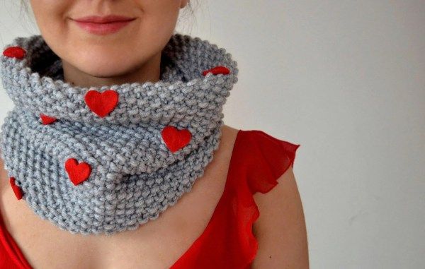 Valentine' Day Knitted Scarf With Felt Hearts