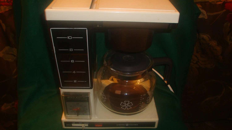 Vintage 1980s Coffee Maker Retro electric drip Coffeematic