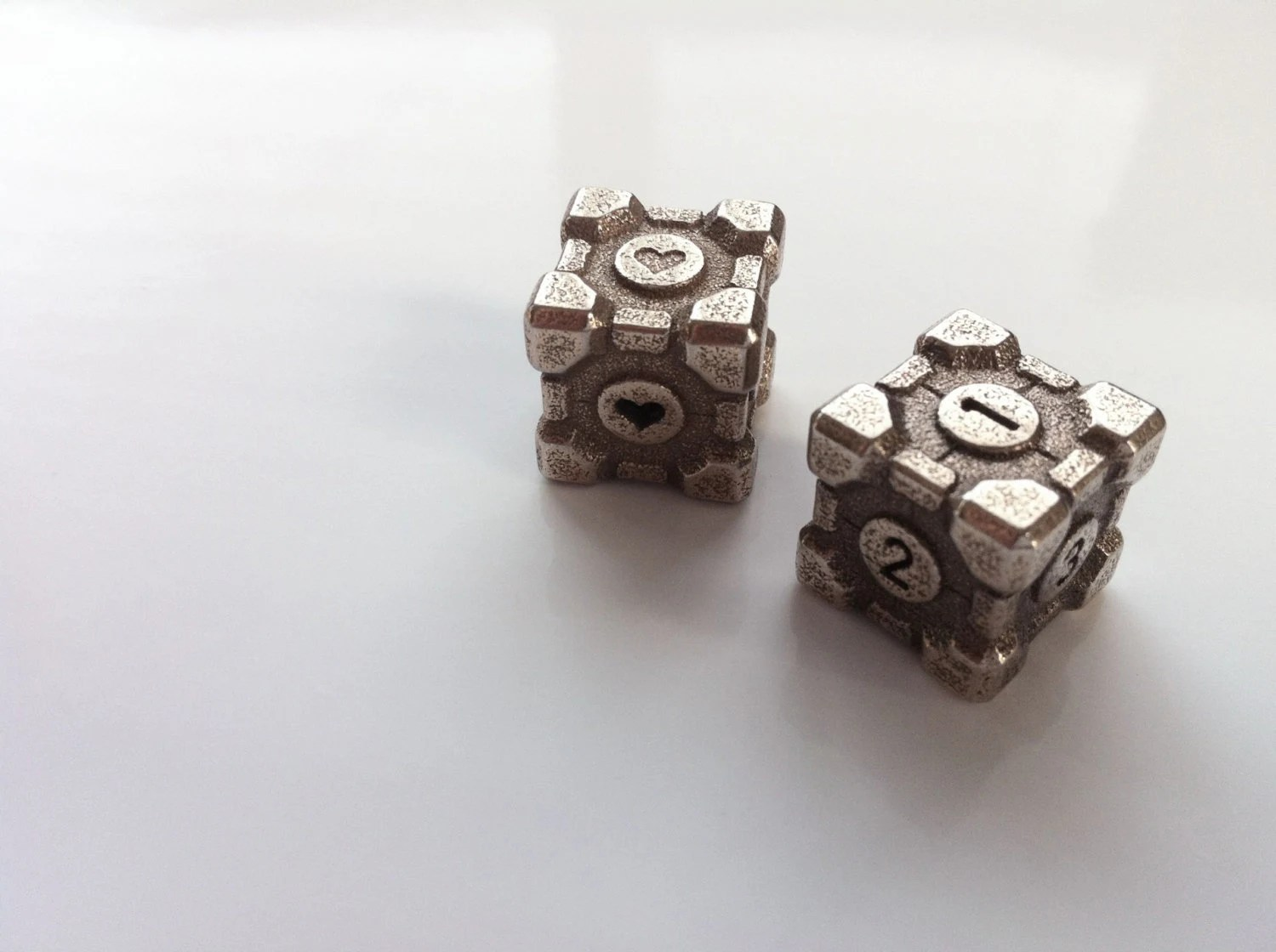 Weighted Companion Cube Die - Stainless Steel - (Portal Dice)