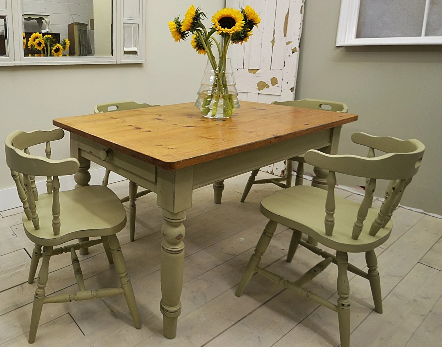 captain chairs dining room aeron shabby chic farmhouse table with 4 captains