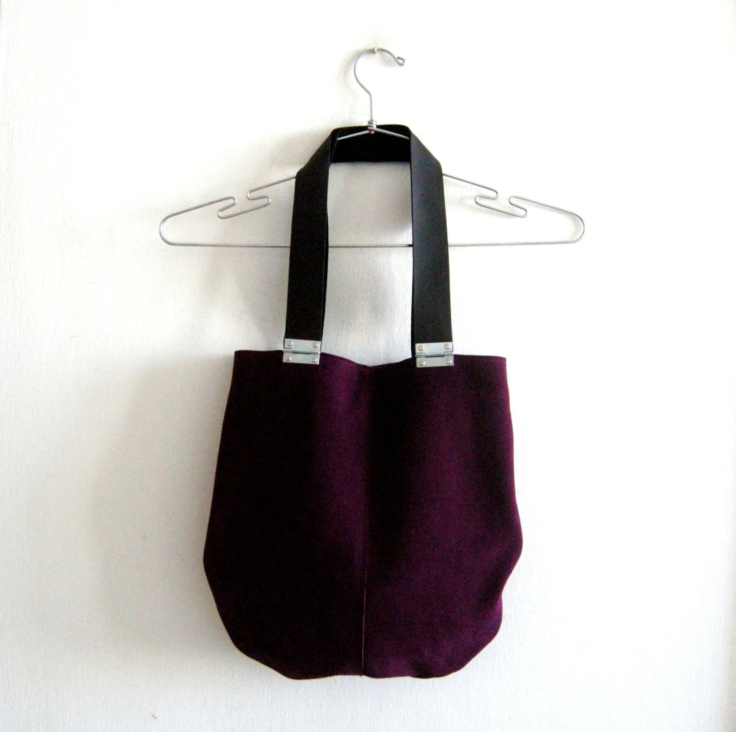 Suede purple leather bag with black strips and hinges - Smadars